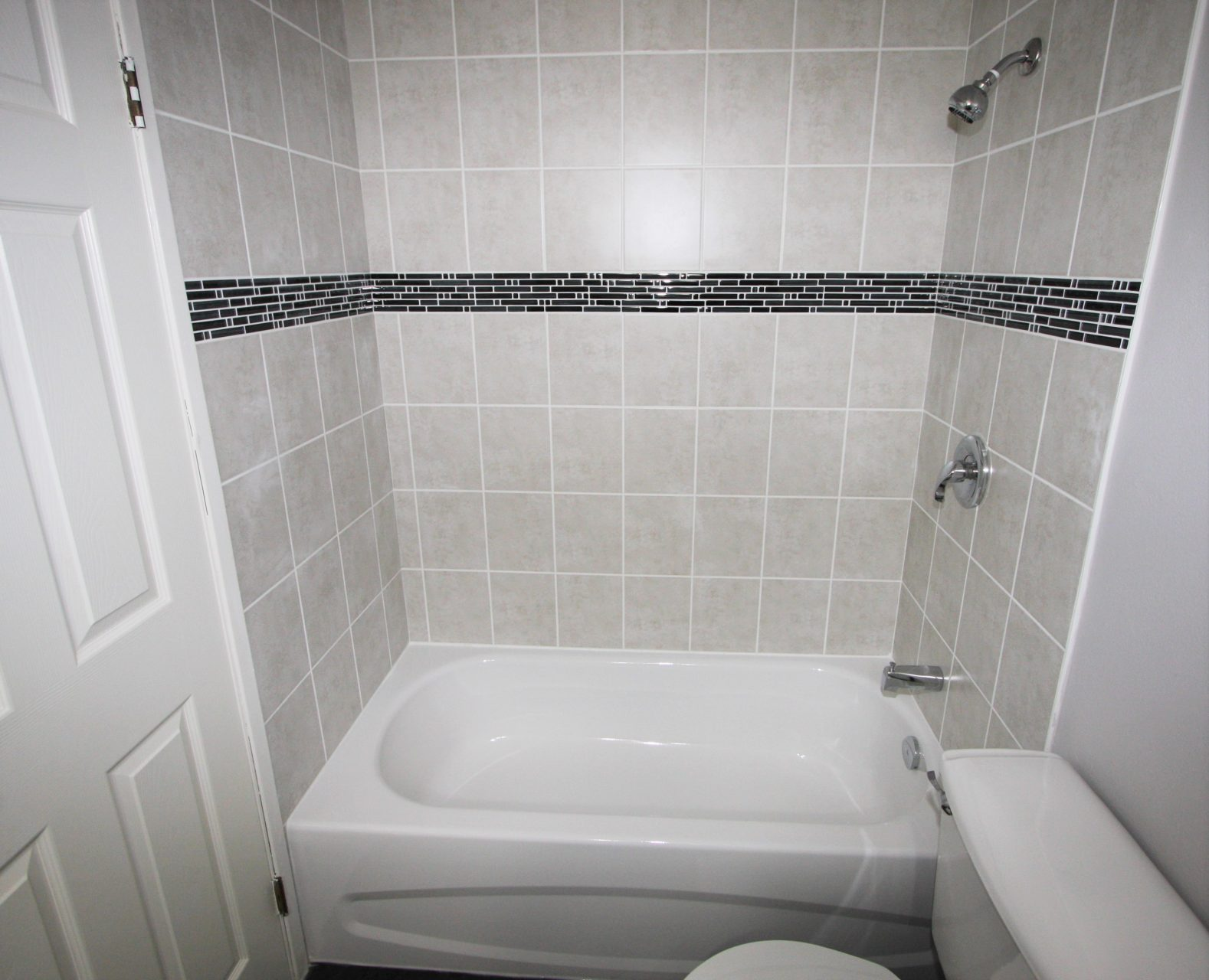 MHA_BlairHouse_2016_Elite Bathroom_1