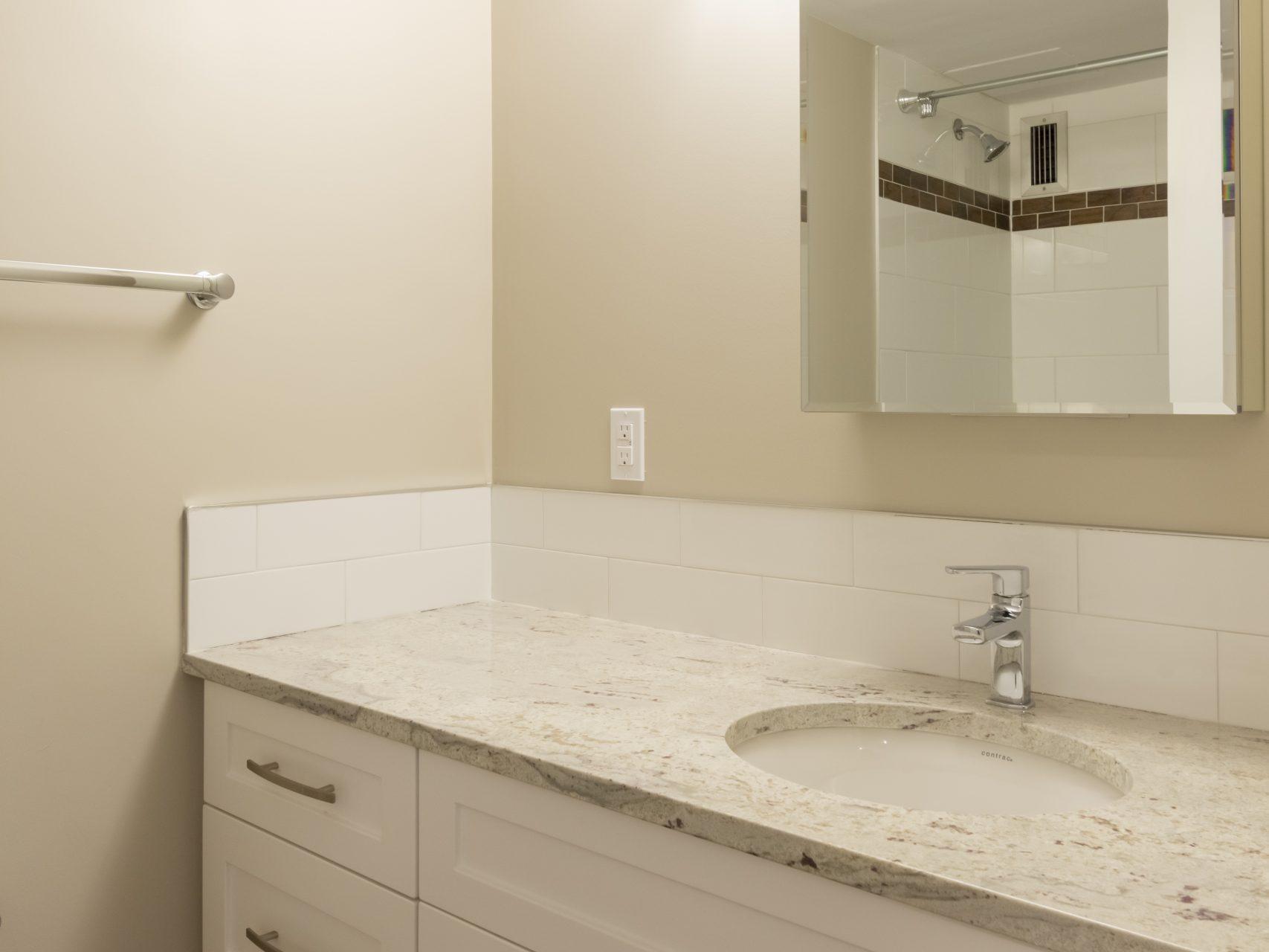 MHA_Mayflower_2020_Elite Bathroom_1