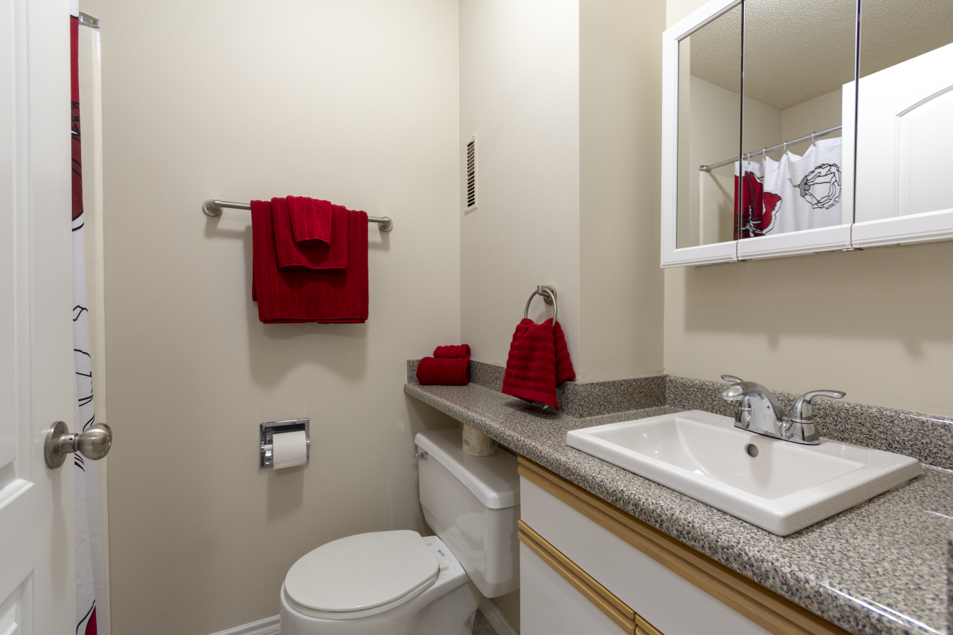 MHA_Westland Park_2019_Classic Main Bathroom